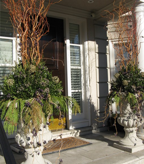 Winter Planter - Entrance